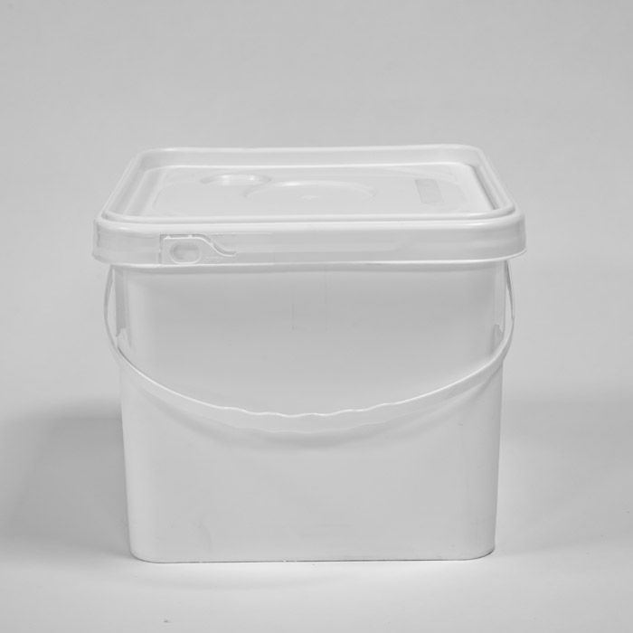 Square – shaped packaging pails