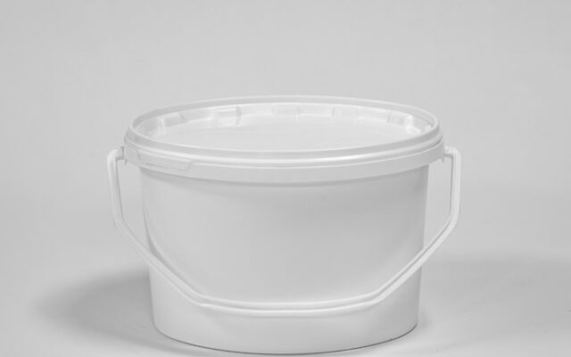 Oval – shaped packaging pails